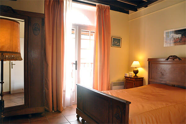 ferienwohnungen f r 3 personen in fontainebleau. Black Bedroom Furniture Sets. Home Design Ideas